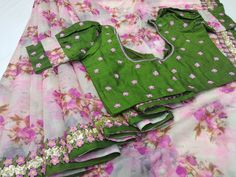 Blouse Designs High Neck, New Blouse Designs, Simple Sarees, Designer Blouse Patterns, Elegant Saree, Casual Saree, Fancy Sarees, Traditional Fashion, Saris