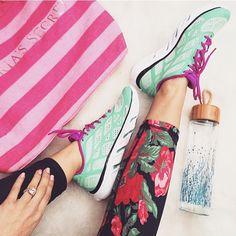 #albionfit | Brenna Mari @chicstreetstyle sporting the Antigua Floral Leggings