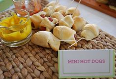 easy snack food Mini Appetizers, Appetizer Dips, Mini Hot Dogs, High Tea Food, Pigs In A Blanket, Boy Birthday, Mini Foods, Easy Snacks, Lunches And Dinners