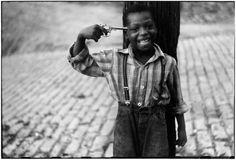 Elliott Erwitt. USA. Pittsburgh, Pennsylvania. 1950. © Elliott Erwitt/MAGNUM PHOTOS