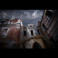 Dream time... magic time... Neverending Story 2  Ph.: Pavel Skvortsov +7 (960) 166-68-99  #dream #photo #architecture #fantasy #magic #clouds #light #moment #nnov #nizhnynovgorod #moscow #stpetersburg #kazan #cheboksary #photo #pavelskvortsov #instagood #time #neverendingstory #amazing
