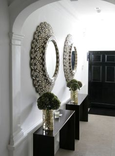 Fiona Barratt Interiors. Slim console table and oversized mirror. Simple but striking