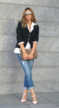 джинсы с рубашкой и жакетом