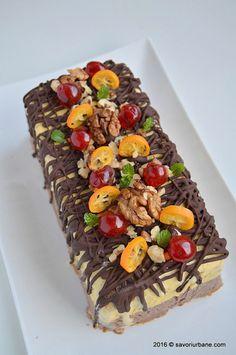 Inghetata casata cu ciocolata nuca si fructe confiate Savori Urbane (3) Spanish Food, Parfait, Cake Recipes, Frozen, Sorbet, Cooking Recipes, Ice Cream, Kiwi, Cheese