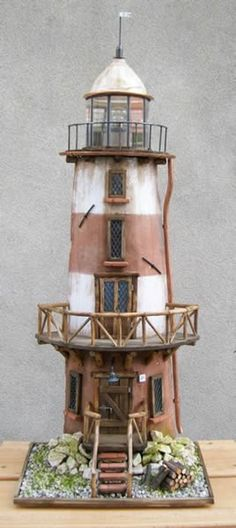 Faro 1 Clay Pot Crafts, Wood Crafts, Garden Lighthouse, Ho Scale Buildings, Door Displays, Pallet Designs, Beacon Of Light, Nautical Art, Gnome Garden