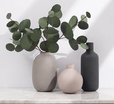 Wooden Vase, Ceramic Vase, Vase Centerpieces, Vases Decor, Decorating With Vases, Table Decorations, Casa Lea, Boutique Interior, Decoration Restaurant