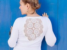 White 3/4 sleeves t-shirt with upcycled vintage crochet doily back - size S