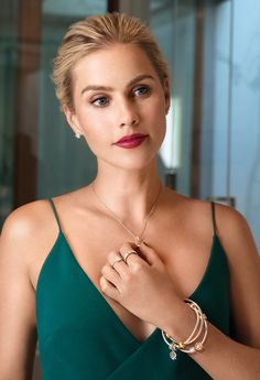 Fierce Rebekah independent & selective Rebekah Mikaelson written by Madison established August 2014 I am the end of all things; I have drunk the blood of Kings. Good Girl, Vampire Diaries, Claire Holt The Originals, Rikki H2o, Emma Gilbert, Indiana Evans, Fangirl, Divas, Instyle Magazine