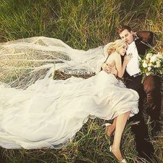 Beautiful bride and groom photo! Inspiration