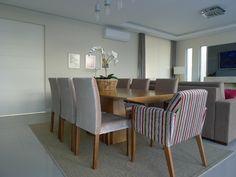 Sala de janta, com estofados da nossa fábrica, móveis e objetos de decoração da nossa loja!