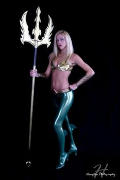 Aquaman in front of a black screen - taken by a good friend and talented photographer - Jason Hampton. Shot D*C Aquaman - Black screen Aquaman Cosplay, Dc Cosplay, Best Cosplay, Cosplay Girls, Cosplay Costumes, Awesome Cosplay, Cosplay Ideas, Costume Ideas, Flash Point Paradox