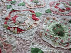 Quilting Is My Bliss--ragged roses/ french roses quilting