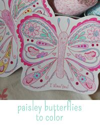 beautiful butterfly to color at Delightful Distractions Crafts For Girls, Arts And Crafts, Adult Crafts, Merry Mail, Doodle Borders, To Color, Beautiful Butterflies, Sticker Paper, Scrapbook Paper