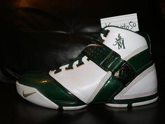 4f9c1e677e5f2 Nike LeBron 5 V SVSM Size 11 Elite Lot Jordan 4 9 KD 7 8 6 PE Irish 12 13 14