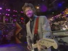 Dire Straits & Eric Clapton - Romeo & Juliet [Wembley This song was an epiphany for me when I heard this live version in Music Mix, Good Music, My Music, Eric Clapton Live, Wembley Arena, Dire Straits, Mark Knopfler, Rock And Roll Bands, Nelson Mandela