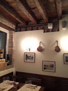 """www.mobilificiomaieron.it - https://www.facebook.com/pages/Arredamenti-Pub-Pizzerie-Ristoranti-Maieron/263620513820232 - 0433775330 Arredo ristorante """"Vini da Pinto"""". Sedie Croce 3021 e Tavoli 4 gambe a sciabola con piano in legno massello. #arredopub #arredopizzeria arredoristorante #sedietavoli #tavoliesedie #sedieristorante #tavoliristorante"""