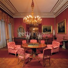 Kaiservilla in Bad Ischl, Upper Austria, the red parlour, summer residence of emperor Franz Joseph I. and empress Elisabeth (Sisi). Austria, Kaiser Franz Josef, Impératrice Sissi, Empress Sissi, Heart Of Europe, Royal Life, Interior Decorating, Interior Design, Dream Apartment
