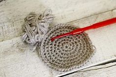 How to Crochet in the Round (spiral)