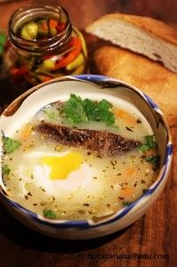 Ciorba de oua cu afumatura. Sau chiar bors de oua. Romanian Food, Hungarian Recipes, Soul Food, Food To Make, Eggs, Cooking, Breakfast, Ethnic Recipes, Sauces