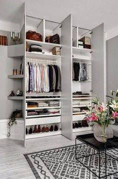 Walk in closet – 10 inspirerende løsninger til din garderobe - ALT.dk