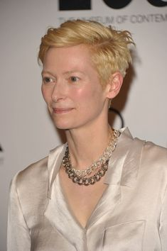 She almost never wears flashy jewelry, but when she does it looks like it belongs. | 20 Reasons Why Tilda Swinton Is The Most Fashionable Person Of Our Time