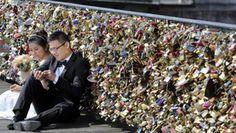 Famous Paris Love Locks Bridge to be dismantled due to deterioration