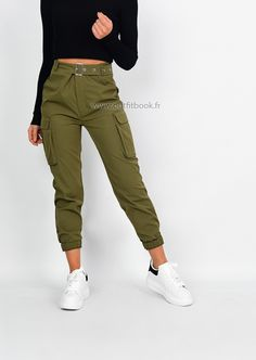 Belted cargo pants in khaki Pantalon cargo kaki avec poches