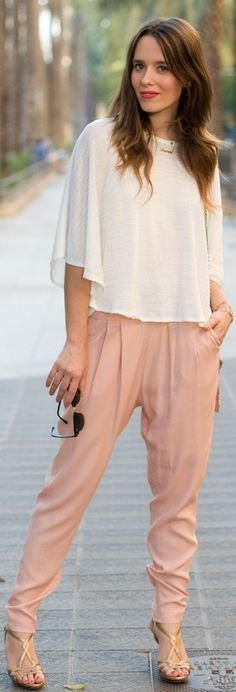 Harem pants outfit idea for grey ones. Summer Outfits, Casual Outfits, Fashion Outfits, Womens Fashion, Street Chic, Street Style, Harlem Pants, Preppy Style, My Style