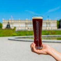 Unser Bier gibt's schon seit über 440 Jahren. Deshalb sind wir uns sicher, dass auch König Ludwig II. ab und an mal a Schnitzei getrunken hat. Der alten Zeiten wegen, dachten wir uns wir bringen ihm mal wieder eins vorbei! 😄😉 #herrenchiemsee #chiemsee #koenig #koenigludwig #kingsbeer  #traunstein #schnitzlbaumer #schnitzei #heimatbrauer #ausliebezumbier #bierliebe #bayerischesbier #bayern #bavarianbeer #heimatbrauer #traunstein #chiemsee #chiemgau #rosenheim #salzburg #bavaria… Ludwig, Coffee Maker, Beer, Mugs, Tableware, Instagram, Brewery, Wood Carvings, Drinking