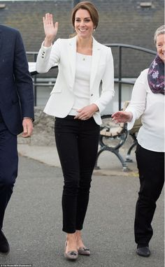 Kate turned up to Victoria's Cridge Centre for the Family bright and early on Friday morni...