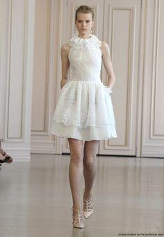 Oscar de la Renta Spring 2016 sleeveless lace knee-length A-line bridal dress
