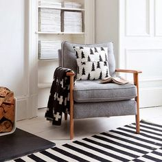 Want blanket Mid century armchair. Photo by Douglas Gibb via House to Home. Living Room Chairs, Home Living Room, Living Spaces, Dining Chairs, Lounge Chairs, Side Chairs, Mid Century Armchair, Home And Deco, Living Room Inspiration
