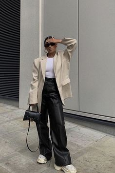 Mode Outfits, Winter Outfits, Fashion Outfits, Night Outfits, Look Fashion, Winter Fashion, Mode Dope, Pantalon Costume, Looks Street Style