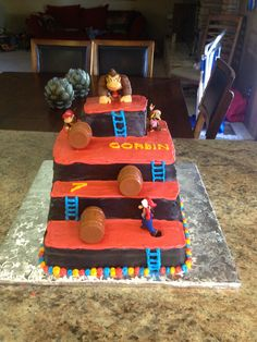 Donkey Kong Cake! Retro Birthday Parties, 6th Birthday Cakes, Birthday Desserts, Baby Birthday, 80s Party, Nintendo Cake, Nintendo Party, Cupcakes Super Mario, Super Mario Party