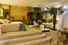 Tropical bedroom...ohhh my!! Luxurious!!