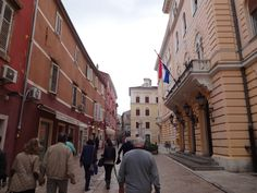 pelas ruas de Zadar-Croácia