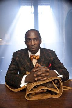 Pink pocket square piece de resistance. Striking and perfect compliment to a well cut check suit. Ladies and gentlemen: Mr Chalky White.  (Love this show.)