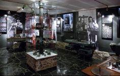 Pomysł na weekend- Muzeum Kinematogafii w Łodzi  Zbiory muzeum obejmują około 12 tysięcy plakatów i afiszów filmowych. Są tu też projekty scenograficzne i projekty kostiumów. Dział Animacji gromadzi projekty postaci, kukiełki, lalki oraz kadry z filmów animowanych. Muzeum posiada również własną filmotekę w której znajduje się około 1,5 tysiąca filmów.  Więcej informacji na: http://www.nocowanie.pl/noclegi/lodz/muzea/143605/