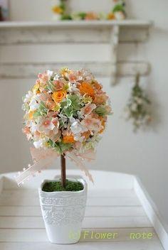 『春・オレンジ色のトピアリー』 http://ameblo.jp/flower-note/entry-11204903443.html