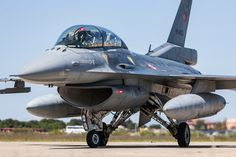 pete hemsley Turkey's air force can barely fly its - analyst Best Fighter Jet, Fighter Pilot, Fighter Jets, Military News, Military Personnel, Military Aircraft, F 16 Falcon, Us Air Force, Modern Warfare