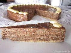 Tarta de 'huesitos' con lacasitos de chocolate blanco