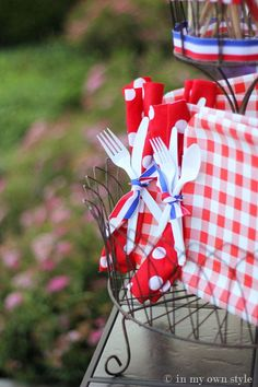 Outdoor Entertaining...great idea, punch hole in paper plate and tie ribbon around napkin & utensils, easy for guests to grab!