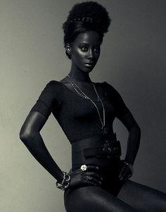 Beautiful Black Models - Let's Take A Look At Six - Best Beauty Variety Beautiful Dark Skinned Women, My Black Is Beautiful, Black Love, Beautiful Oops, Black Art, Most Beautiful Women, Afro, Black Girls Rock, Black Girl Magic