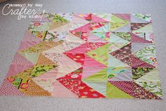 Mommy by day Crafter by night: (Zig Zag Quilt Along): Piecing Your Quilt Top