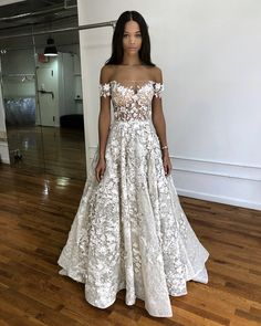 Wedding Gown Off the shoulder wedding gowns. - Off the shoulder wedding dresses are one of most popular looks among the numerous silhouette details. This type of dresses is elegant and feminine. Bridal Dresses 2018, Bridal Gowns, Bridesmaid Dresses, Prom Dresses, Formal Dresses, Perfect Wedding Dress, Dream Wedding Dresses, Wedding Gowns, Dream Dress