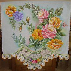 Pano de copa em pintura em tecido e croche tecido estilotex 100% algodao R$ 75,00