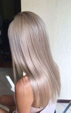 Sleek Ash Blonde Hair - 40 Styles with Medium Blonde Hair for Major Inspiration - The Trending Hairstyle Medium Blonde Hair, Honey Blonde Hair, Blonde Hair Colors, Cool Ash Blonde, Perfect Blonde Hair, Pearl Blonde, Blonde Lob, Blonde Brunette, Face Shape Hairstyles