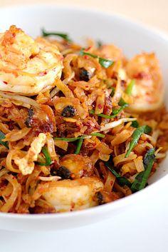 Penang Char Kuey Teow (炒粿條), Malaysian stir-fried flat noodle  Source: http://pickyin.blogspot.com/2011/03/penang-char-kuey-teow.html