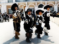 Frank Finlay (Porthos), Oliver Reed (Athos), Michael York (D'Artagnan) and Richard Chamberlain (Aramis) in The Three Musketeers (1973)