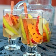 Thinking I may have to make some of this to go with Thanksgiving dinner this year - White Autumn Spice Sangria Party Drinks, Cocktail Drinks, Fun Drinks, Yummy Drinks, Alcoholic Drinks, Beverages, Keto Cocktails, Mixed Drinks, Fall Recipes